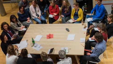 8 MÄR | World Café: Auf zu einer feministischen Außenpolitik!